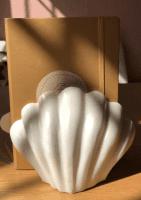 Marmor Buchstütze mit Motiv 'Muschel' - WETAR -
